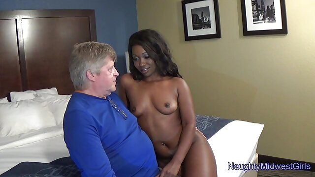 Muy sexy daddy pornoamateurlatino girl fuck