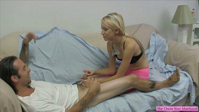 Hottie maduro obtiene un sexo amateur latino pedazo de su pequeña polla
