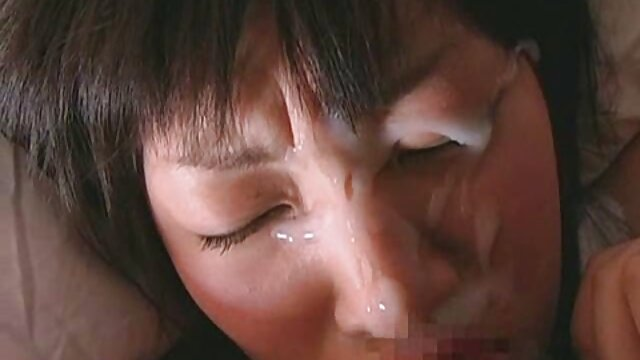 Nena cachonda sexo trios latinos Hitomi Ikeno mamada y follada dura