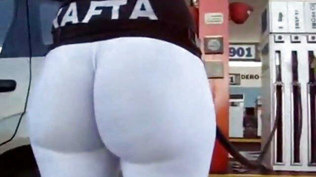 Conjunto xxx latino en español de fotos de sexo de dama de lencería blanca