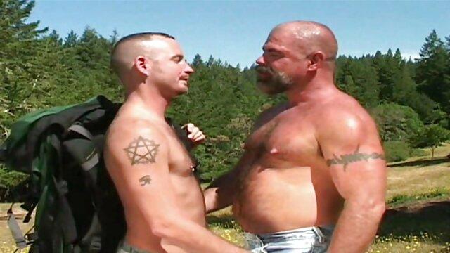 Verano gangbang i sexo gay bilatin