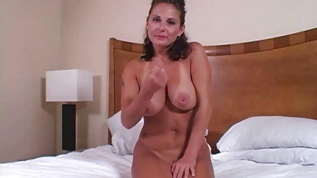 una compilación porno gratis en latino en solitario (una para los bi) 19