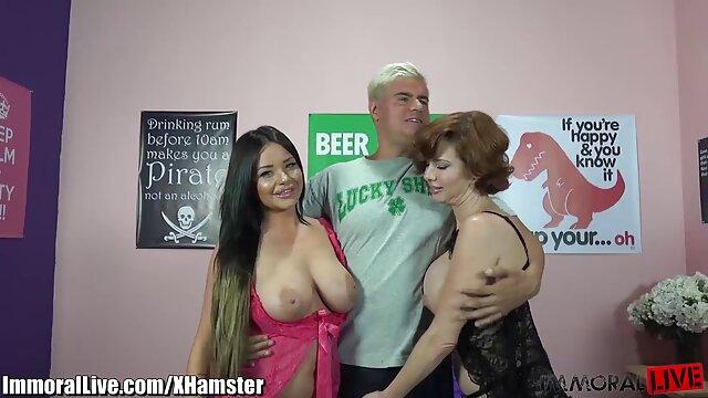 El xxx pornolatino vibrador de piernas de Lesbea Redhead Ariel