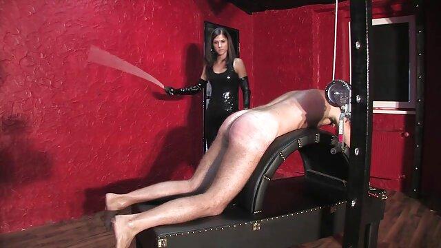Sexo en best latino porno el jacuzzi