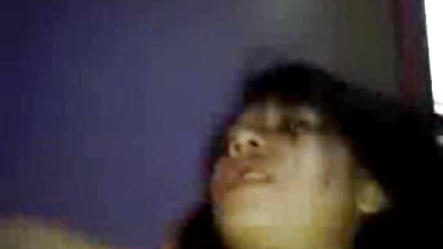 Puta rubia recibiendo videos pono latino un bocado