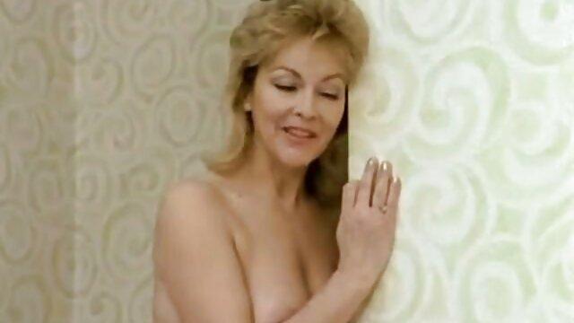ella esta cachonda porno latino colombiano