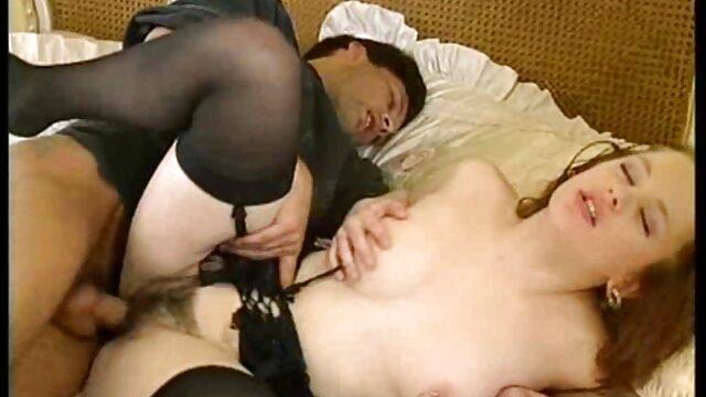 Phyllisia Ann baise par tous videos porno de trios latinos les trous