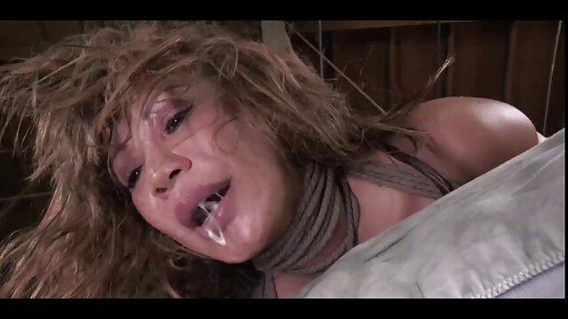 Chica hentay en audio latino desnuda y masaje sucio película porno
